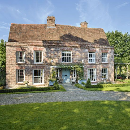 Step inside this beautiful Kent farmhouse   Ideal Home
