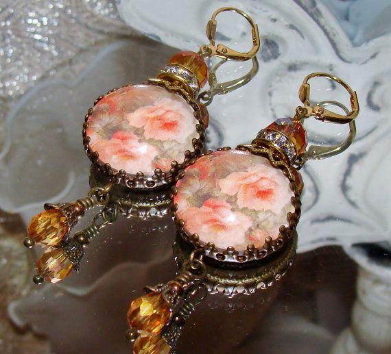 Pfirsich-Rosen Kunstdruck Bild Perlen Ohrringe von PameliaDesigns