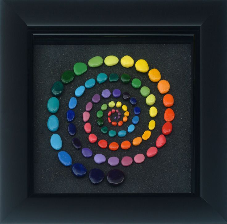 """Color Hole (Supermassive)"" • Sable volcanique, pierres & acrylique (volcanic sand, stones & acrylic) • 2011 • 230 x 230 mm • © NACT"