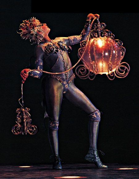 Alegria, Cirque du Soleil ornamentation that that doesn't interfere with dance