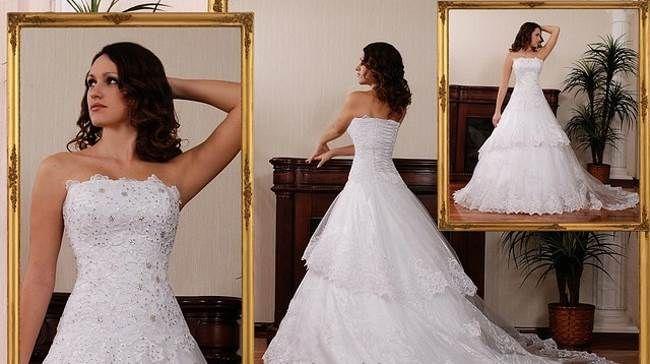 Свадебные наряды в 2015 году Свадебные наряды в 2015 году — во все времена на свадьбу невесты выбирали себе самые красивые платья. Впереди 2015 год и это значит, что модницам планирующим свадьбу, просто необходимо знать какие платья будут самыми актуальными. Начнем, пожалуй, с кружева на подкладке телесного цвета. Такое платье будет смотреться нежно и романтично.