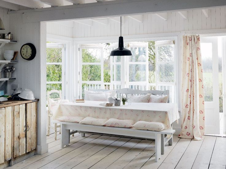 Beach Beauties This Shabby Chic Cottage Is A Swoon Worthy Interior Design