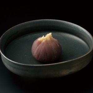 たねやの代表銘菓「ふくみ天平」と季節のお菓子を。【銘菓詰合せAU-300】
