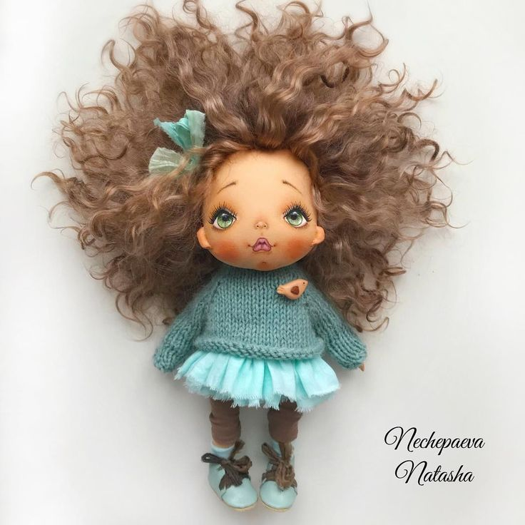 Доброе субботнее утро ☕️! Я в «творческом» отпуске - не теряйте меня. Новые куклы будут не раньше середины декабря. А пока я думаю над тем, как сделать так, чтобы у каждого желающего была кукла. Вижу, как вы расстраиваетесь каждый раз, а мне меньше всего этого хочется. Я обязательно что-нибудь придумаю #пришьюсебепарурук #алучшедве. Целуем вас в обе щёчки. Хороших выходных и берегите себя... ♥️. (не продаётся)
