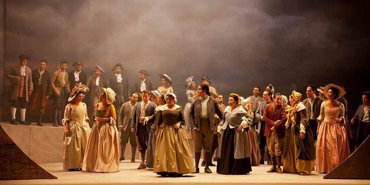 El Coro de la Ópera de Colombia, bajo la dirección del maestro Luis Díaz Hérodier, ha participado en numerosas óperas, zarzuelas y conciertos sinfónicos ...