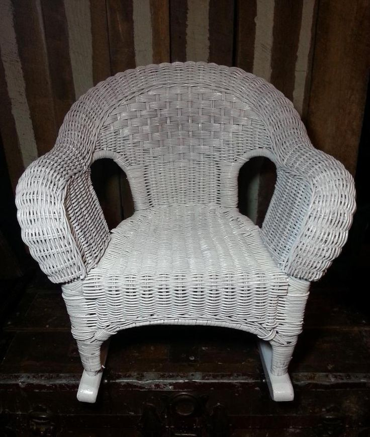 vintage white wicker wood child size toddler kids rocker rocking chair unbranded i love. Black Bedroom Furniture Sets. Home Design Ideas
