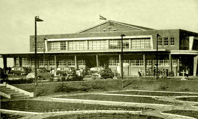 Departure and Arrivals Hall, Jan Smuts Airport, c1955.   Flickr