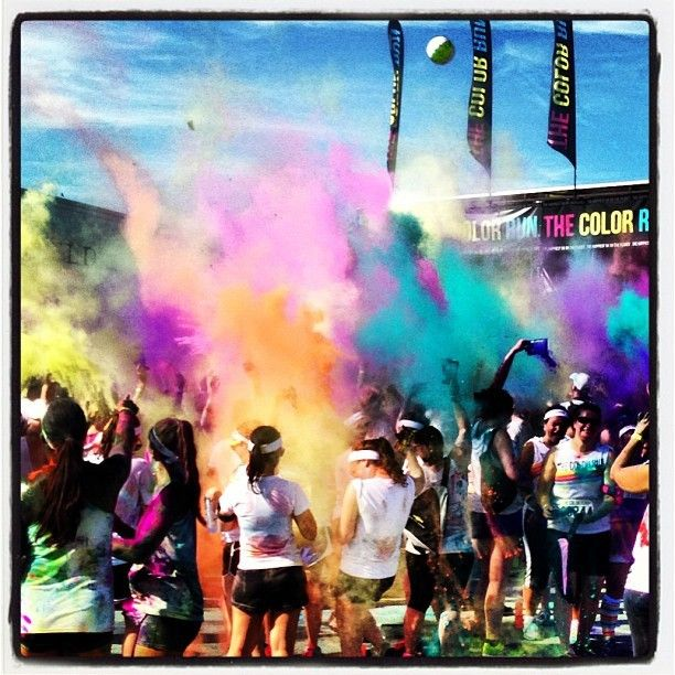 Color explosion! Who got down at #thecolorrun this weekend? This shot's outta control momimosa. #igoftheday #vsxcolorrun #nyc #brooklynbowl #brooklyn #concerts #NYC #livemusic #bowlstagram #todaysbestIG