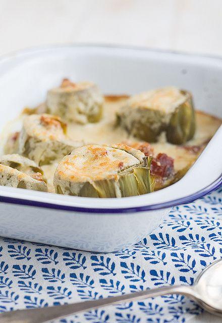 Receta de alcachofas rellenas de jamón http://www.unodedos.com/recetario-de-cocina/receta-de-alcachofas-rellenas-de-jamon/