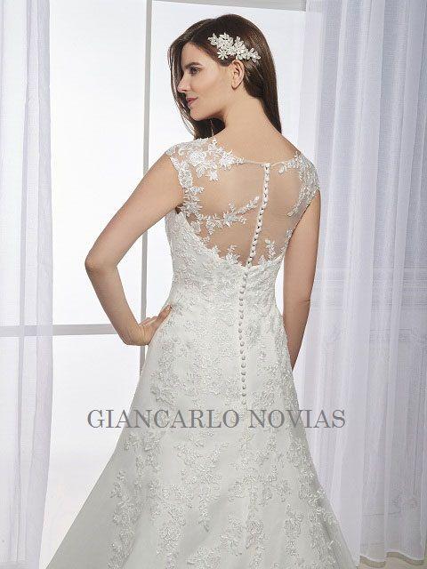 a5f39bbc5b 33 Giancarlo Novias  Vestidos de Novia