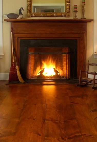 A Wood Fireplace Mantel Made To Match The Beautiful Wood Floor Living Room Decorating Ideas