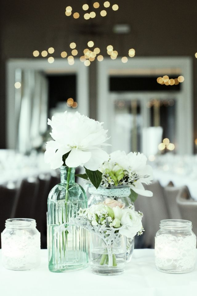 Wedding flowers deco white peonies table Bruiloft met pioenrozen   ThePerfectWedding.nl