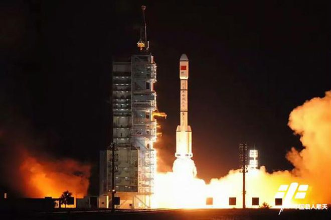 China Launches Tiangong-2 Space Lab to Prep for 2020s Space Station