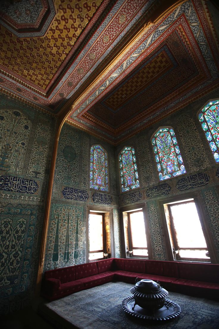 Topkapi harem room - This is one of my best shots to a room in the harem area in Topkapi palace