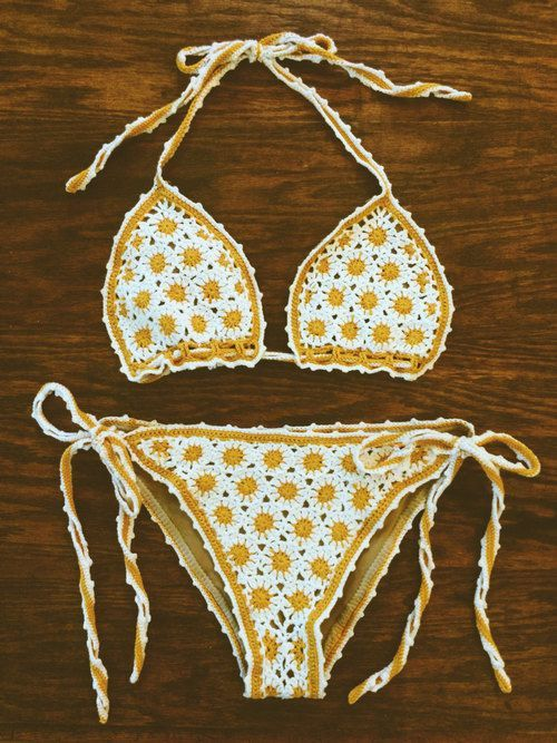 DAISY CHAIN Vintage Deadstock 1970s Crochet Floral #Bikini  #bikini #2017