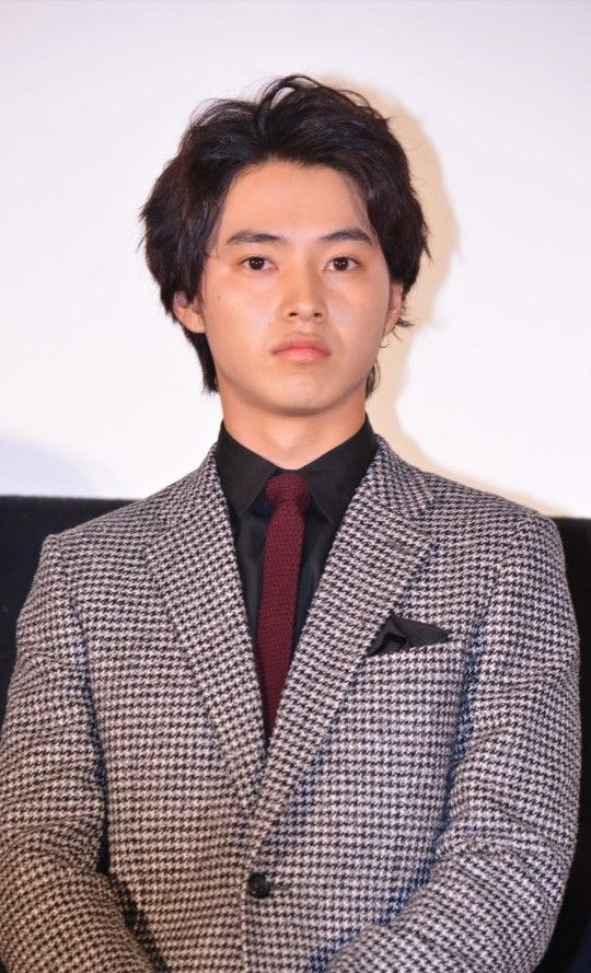 "[Stage greet, 05/28/16] Kento Yamazaki, J LA movie ""Ookami shoujo to kuro ouji (Wolf girl n black prince)"". Release: May/28/16"