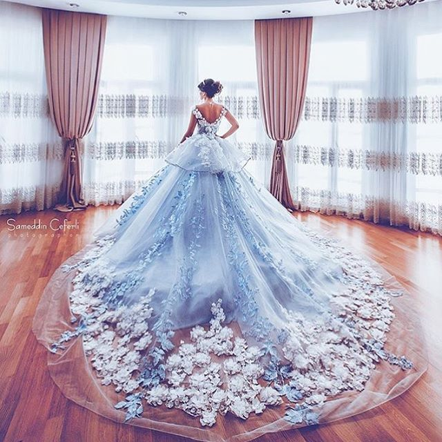 "27.3k Likes, 193 Comments - Loving Haute Couture (@lovinghautecouture) on Instagram: ""Beautiful Photoshoot by @sameddin_photographer """