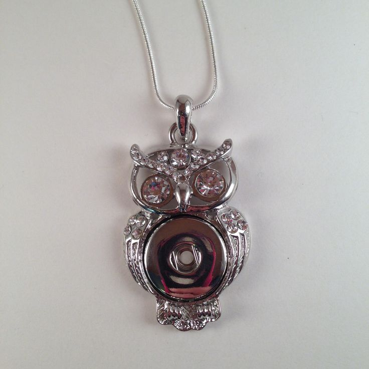Silvertone and Rhinestone OWL 18-20mm Snap Necklace