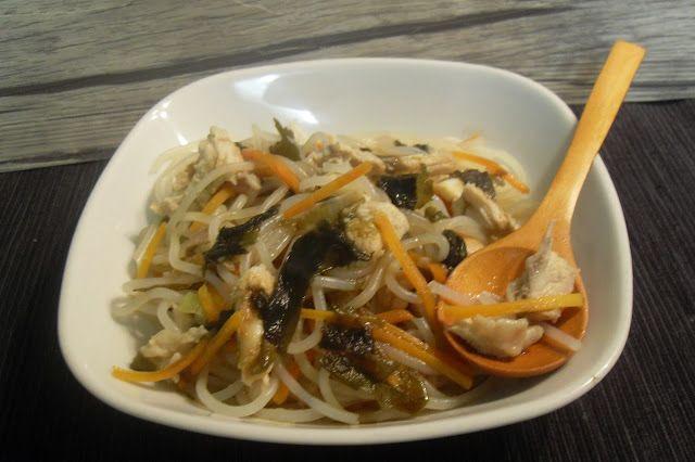 Paprika En La Cocina: Fideos con pollo, algas y verduras