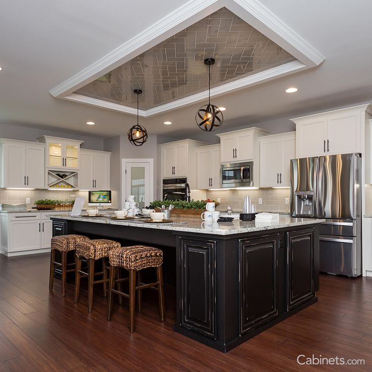 Stunning Kitchen Designs With Two Toned Cabinets: 25 Best Images About Two-Toned Kitchen Cabinets On