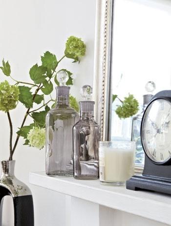 Flowers in bottles. Damajuana botella antigua vasija vintage de cristal the welly home