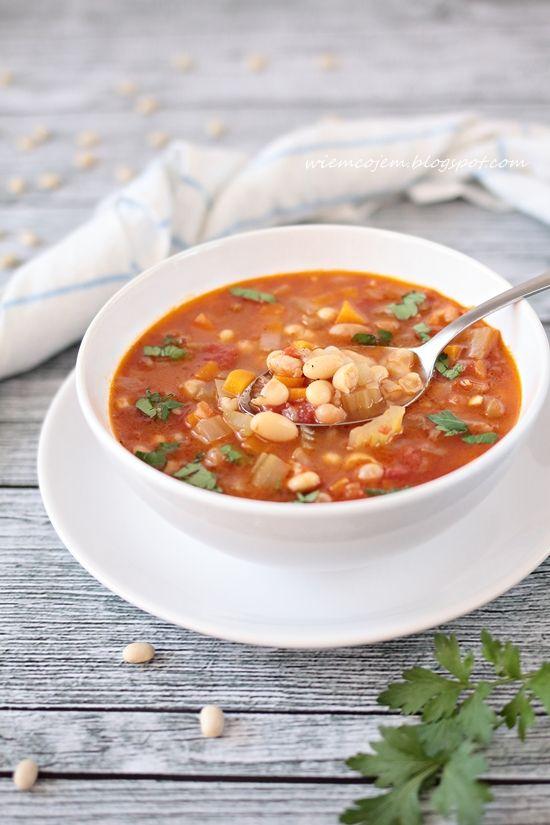 Fsolada, grecka zupa fasolowa @ wiemcojem