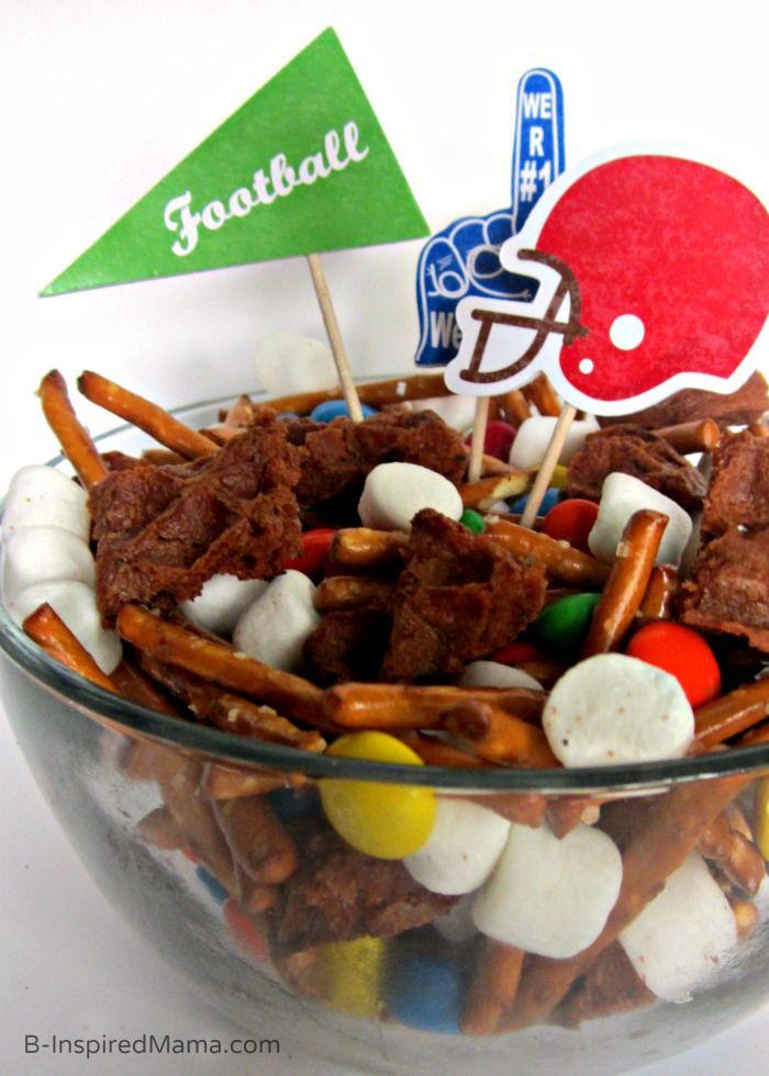 Fun Football Party Mix Recipe [Sponsored by Eggo] -  #EggoWaffleOff #funfood #recipe #football: Football Recipes, Eggowaffleoff Funfood, Party Mix, Fun Football, Funfood Recipe, Football Parties, Football Party, Recipe Football