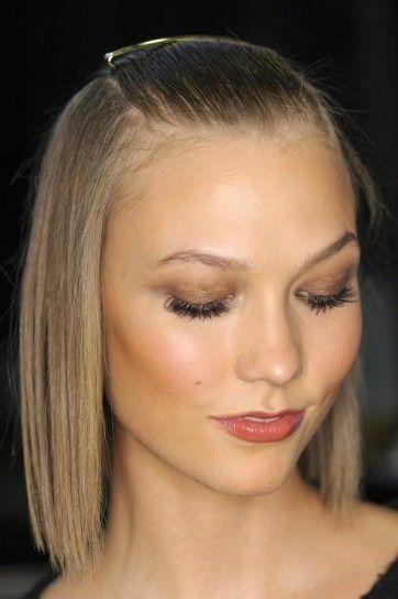 Taglio di capelli medio per capelli sottili: conferisce un aspetto ordinato alle donne over 40