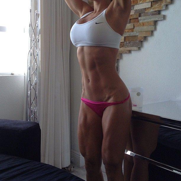 Female Form #StrongIsBeautiful #Inspiration #WomenLift2