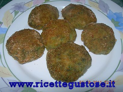 Polpette di spinaci  http://www.ricettegustose.it/Contorni_html/Polpette_di_spinaci.html
