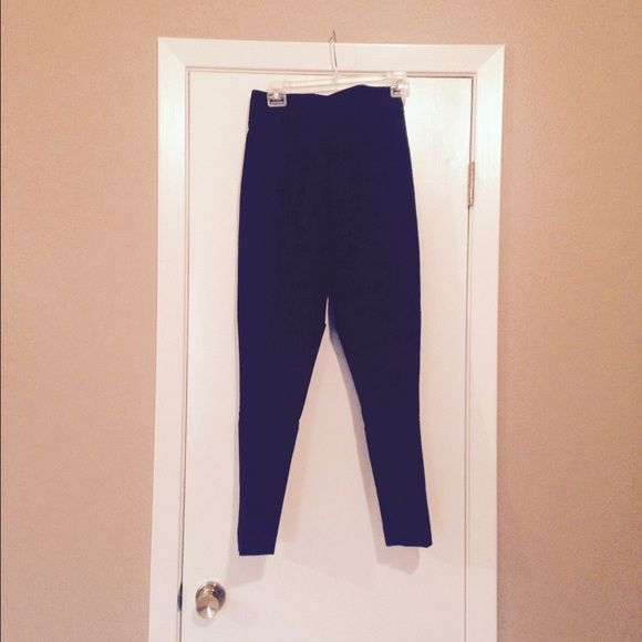 Black Ankle Pant Brand New … Never Worn … slimming black ankle pants Investments Pants