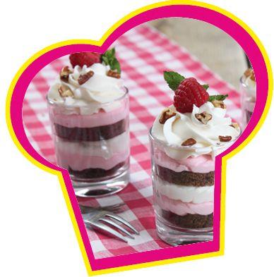 Cake in a cup: Brownie met aardbeien bavaroise