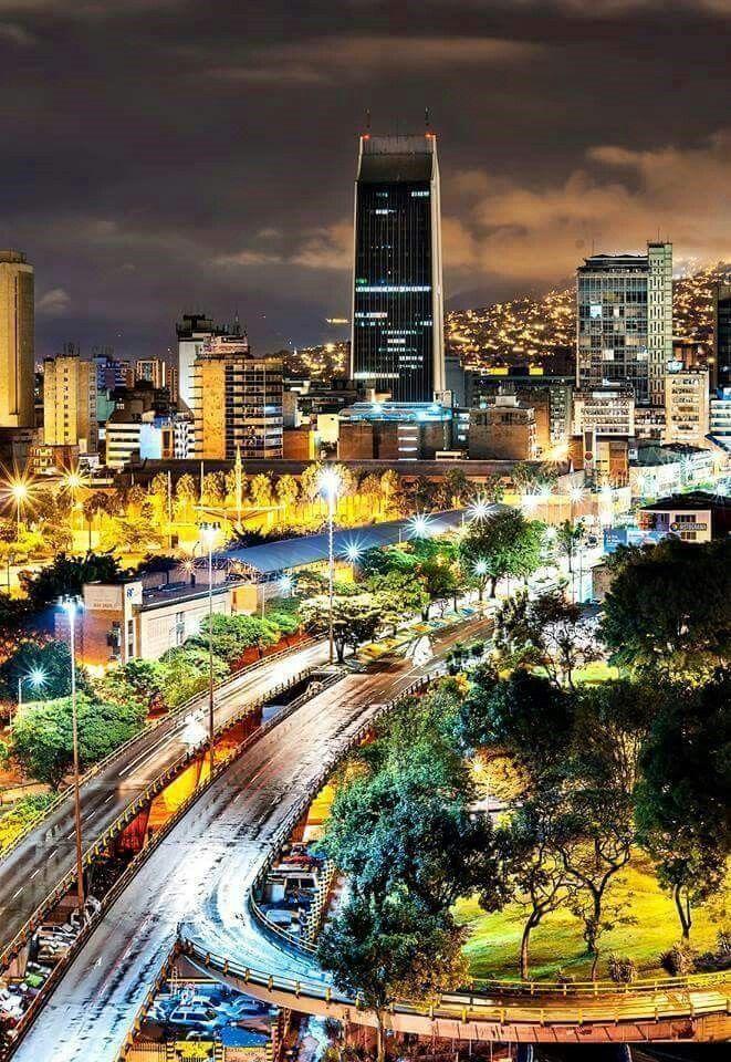 Medellín, Colombia. Colección de la Unidad Especializada en Ortopedia y Traumatologia www.unidadortopedia.com PBX: 6922370 Bogotá - Colombia.