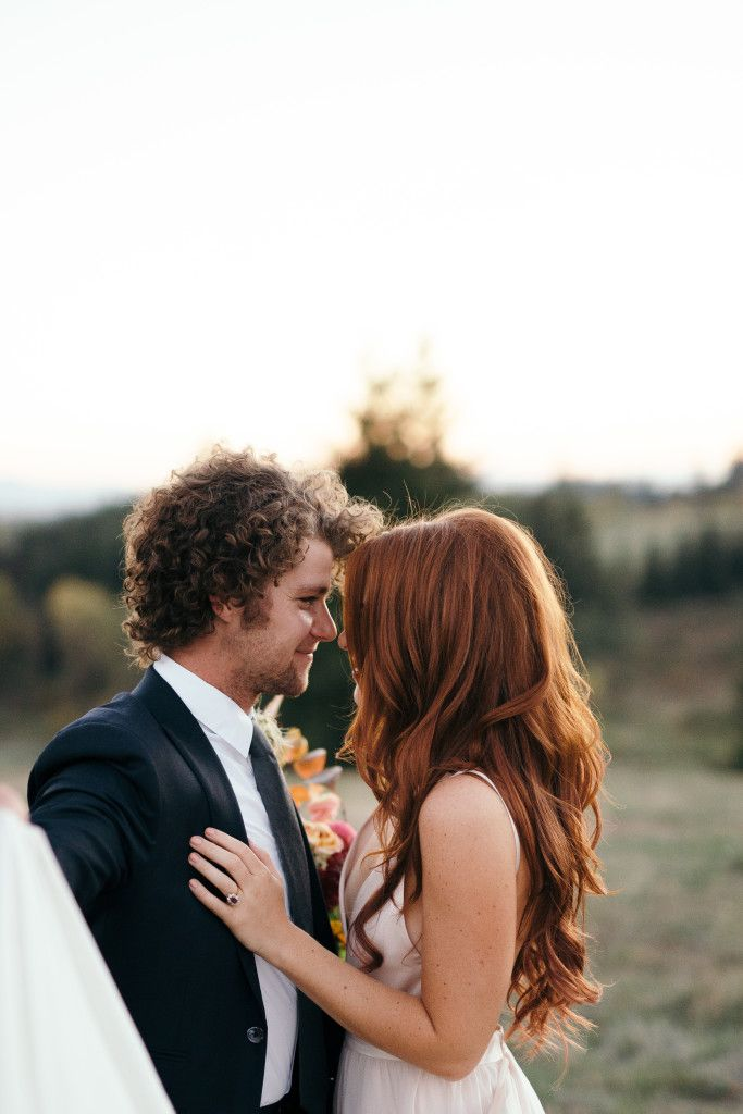 Anniversary Photoshoot | Green Wedding Shoes | Audrey and Jeremy Roloff | Roloff Farms | Bridal Shoot | blush dress