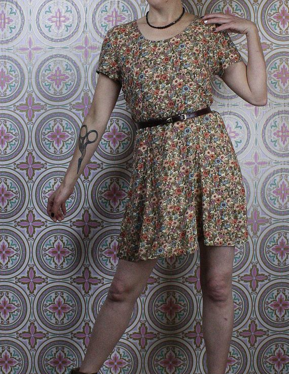 90's Skater Dress in my Etsy shop https://www.etsy.com/ca/listing/582946544/90s-floral-mini-dress-short-sleeve-cream