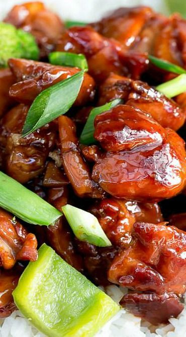 Simple Chicken Teriyaki Stir Fry ~ Crunchy green vegetables and tender crispy chicken stir fried in a beautifully flavoured teriyaki sauce