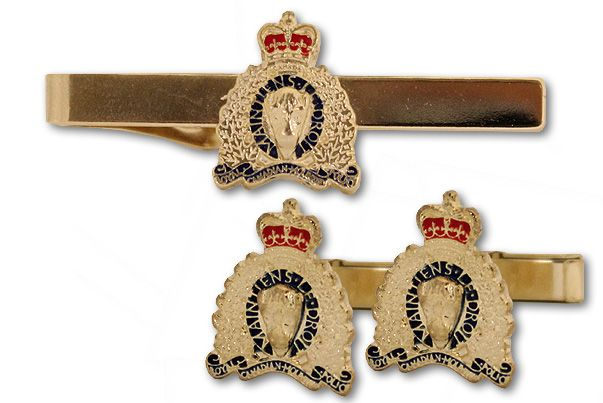 $19.99 The Cufflink & Tie Bar Boxed Set makes for the perfect accessory for any workday or business meeting. Featuring the current RCMP Crest on both the tie clip and the cufflinks, this set is sure to make a Canadian impression.