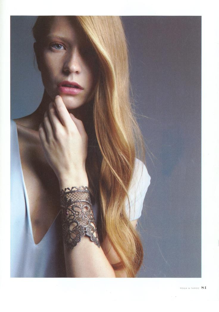 Elena Kougianou Oxydized Lace Cuff,Moda