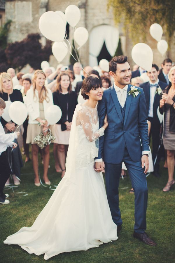 Retro-chic French wedding: http://www.stylemepretty.com/destination-weddings/france-weddings/2016/02/11/retro-chic-swing-jazz-themed-wedding-in-the-french-countryside/ | Photography: Anne-Claire Brun - http://anneclairebrun.com/