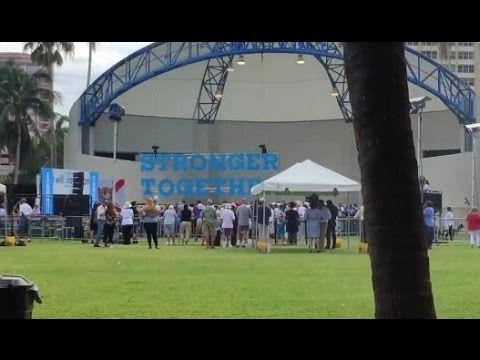 LOOK HOW MANY PEOPLE SHOWED UP TO TIM KAINE RALLY IN FLORIDA!  HA HA HA!
