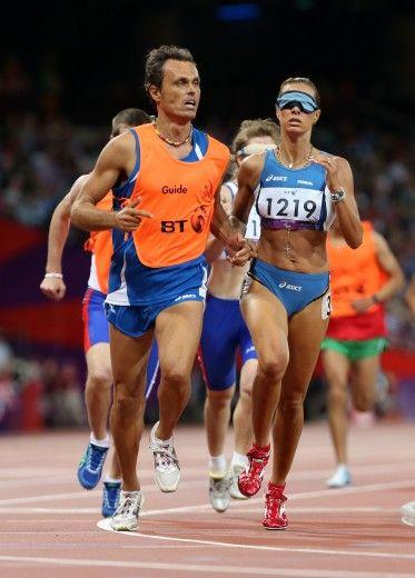 La Minetti vince la medaglia di bronzo con l'atletica leggera.