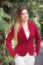 Red blazer for large busted women