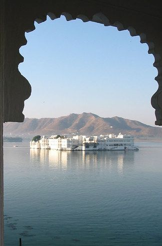 This lake was made in the 14th century to serve as a dam and source of irrigation for its surrounding villages and towns, but – in typical Rajasthani fashion – its pragmatic purpose is now secondary to its stunning aesthetic beauty.