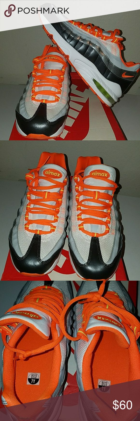 Nike Air Max 95 Worn once Nike Shoes Sneakers