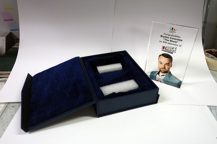 15.Recognise your employees hard work and efforts with attractive full-colour #glass awards, #acrylic #awards or certificates from Prints On Glass.