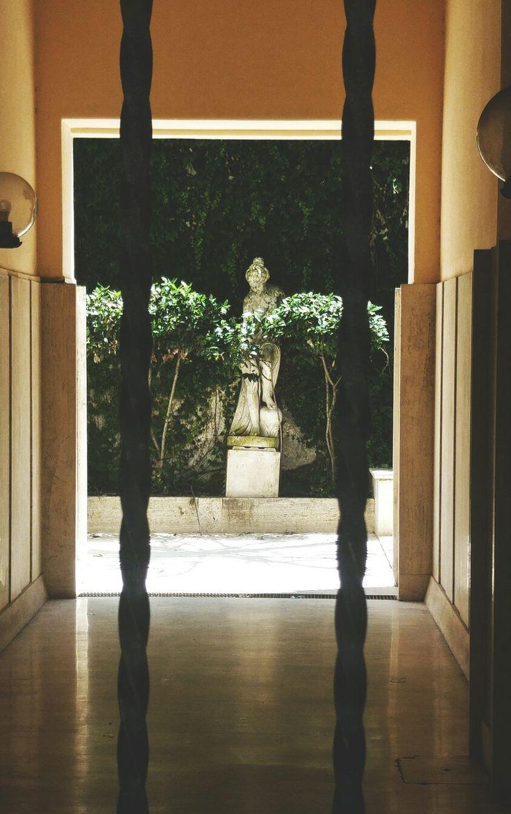 #statue#green#hidden#leaves#plants#yard#garden#ph