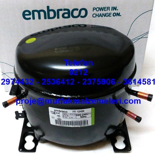 Tezgah Buzdolabı Motoru FFI12HBK:R134A soğutma gazıyla çalışan Embraco tezgah tipi buzdolabı motorlarından Embraco FFI 12 HBK modeli bu buzdolap motorunu tezgah tipi kebapçı buzdolabı motoru pastaneler için tezgah buzdolabı ekovatı mermerli tezgah tipi hamur hazırlık buzdolabı kompresörü ve çeşitli tezgahlı dolapların motoru olarak kullanılmaktadır - Embraco FFI 12 HBK tezgah tipi soğutucu buzdolabı motoru satışı 0212 2375906…