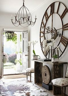 wall décor, I love the large iron clock