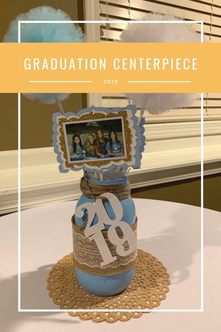 In diesem Beitrag erfahren Sie, wie Sie dieses DIY-Dekor für Abschlussfeiern zum Mittelpunkt Ihrer Abschlussfeier machen. Es ist eine großartige Idee für Absolventen ...