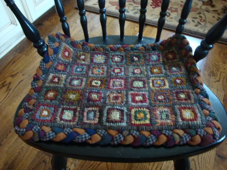 Great Hooked Chair Pad With Braided Border